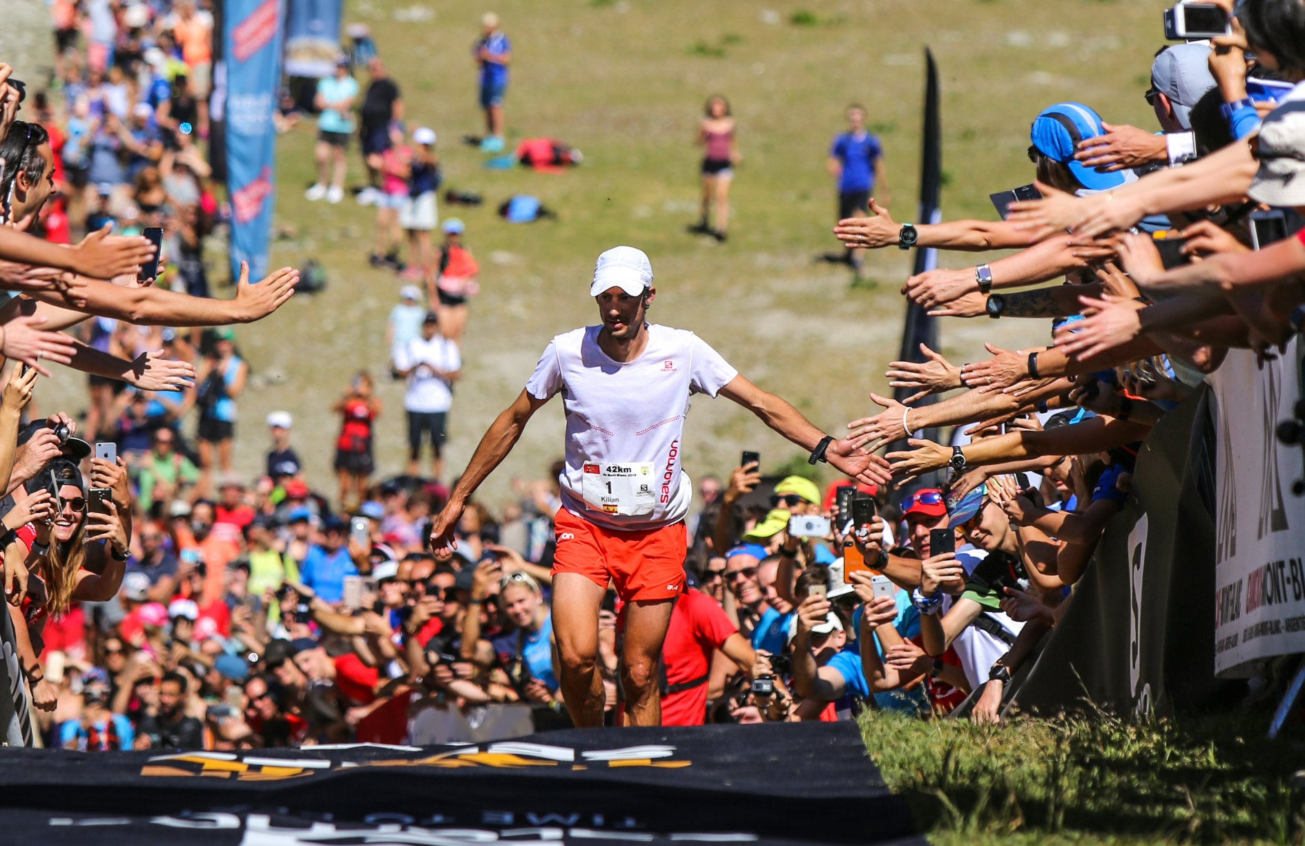 Jornet back with victory in the Mont Blanc Marathon